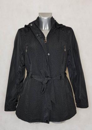 Doudoune femme courte matelassée légère noir zippée