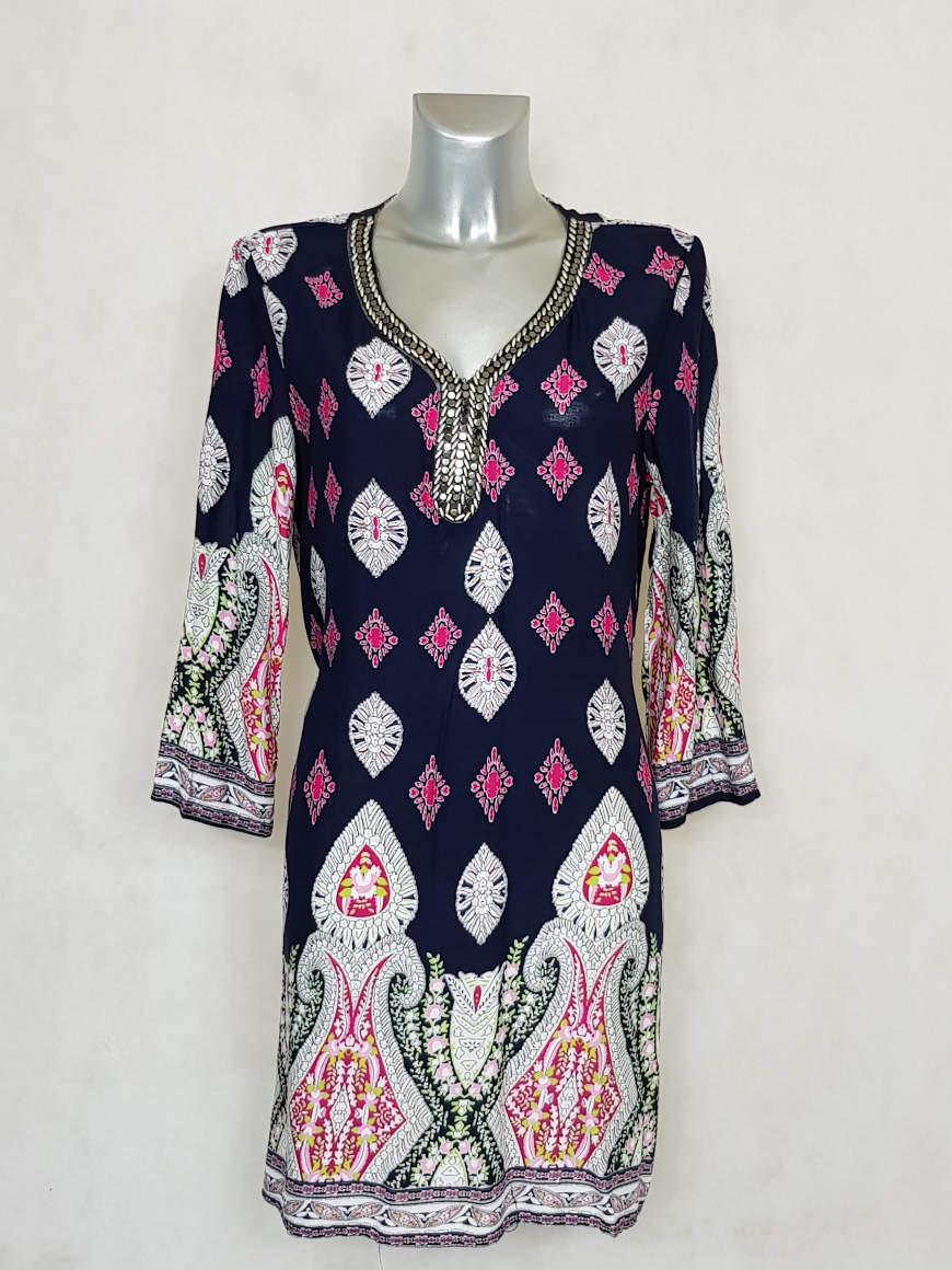 robe-droite-courte-imprimée-ethnic-à-manches