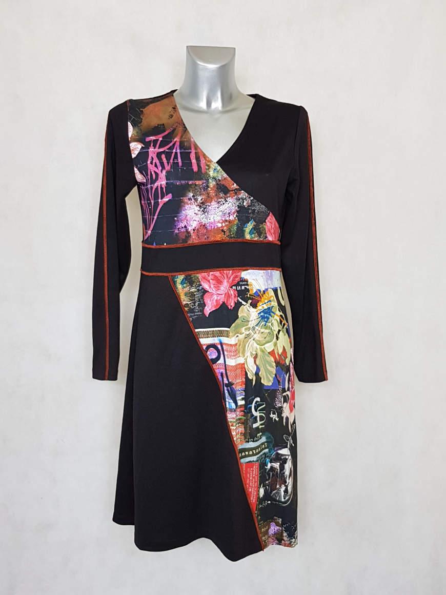 robe-femme-droite-noir-imprimee-a-manches