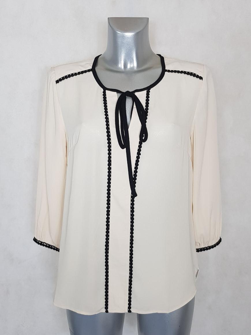 tunique-femme-beige-lisere-noir-brodee