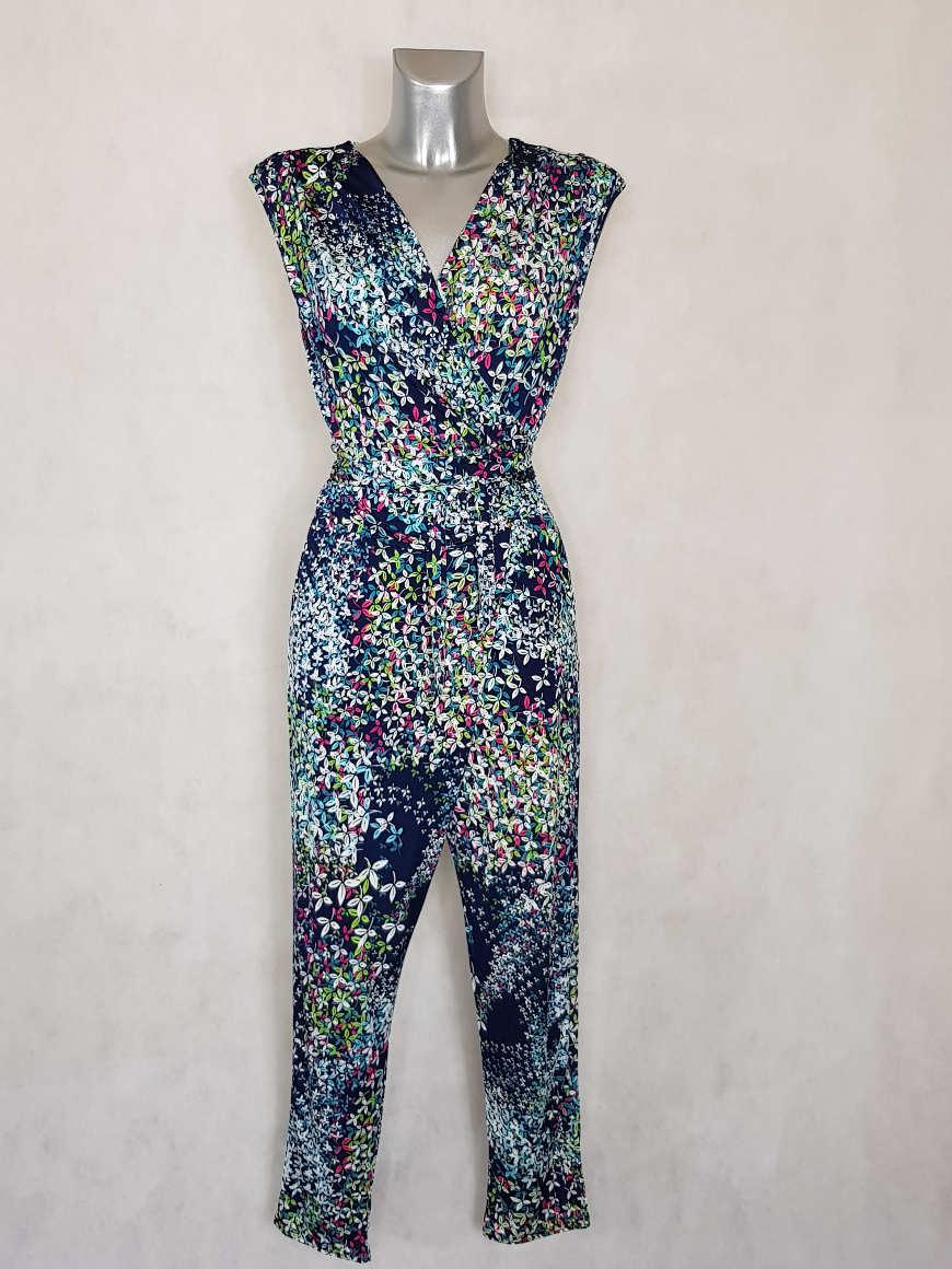 combi-pantalon-femme-fluide-fuselee-bleue-florale