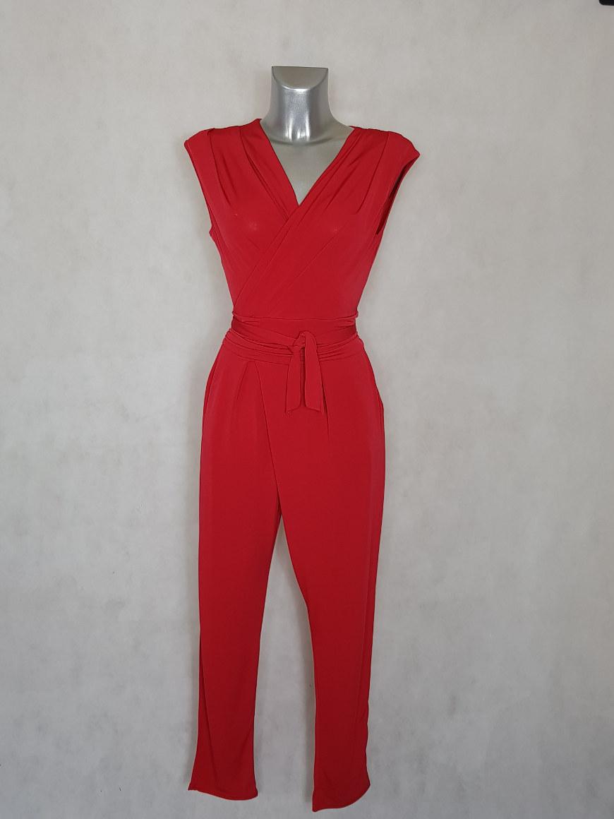 combi-pantalon-femme-fluide-unie-rouge-fuselee-avec-ceinture-a-nouer2