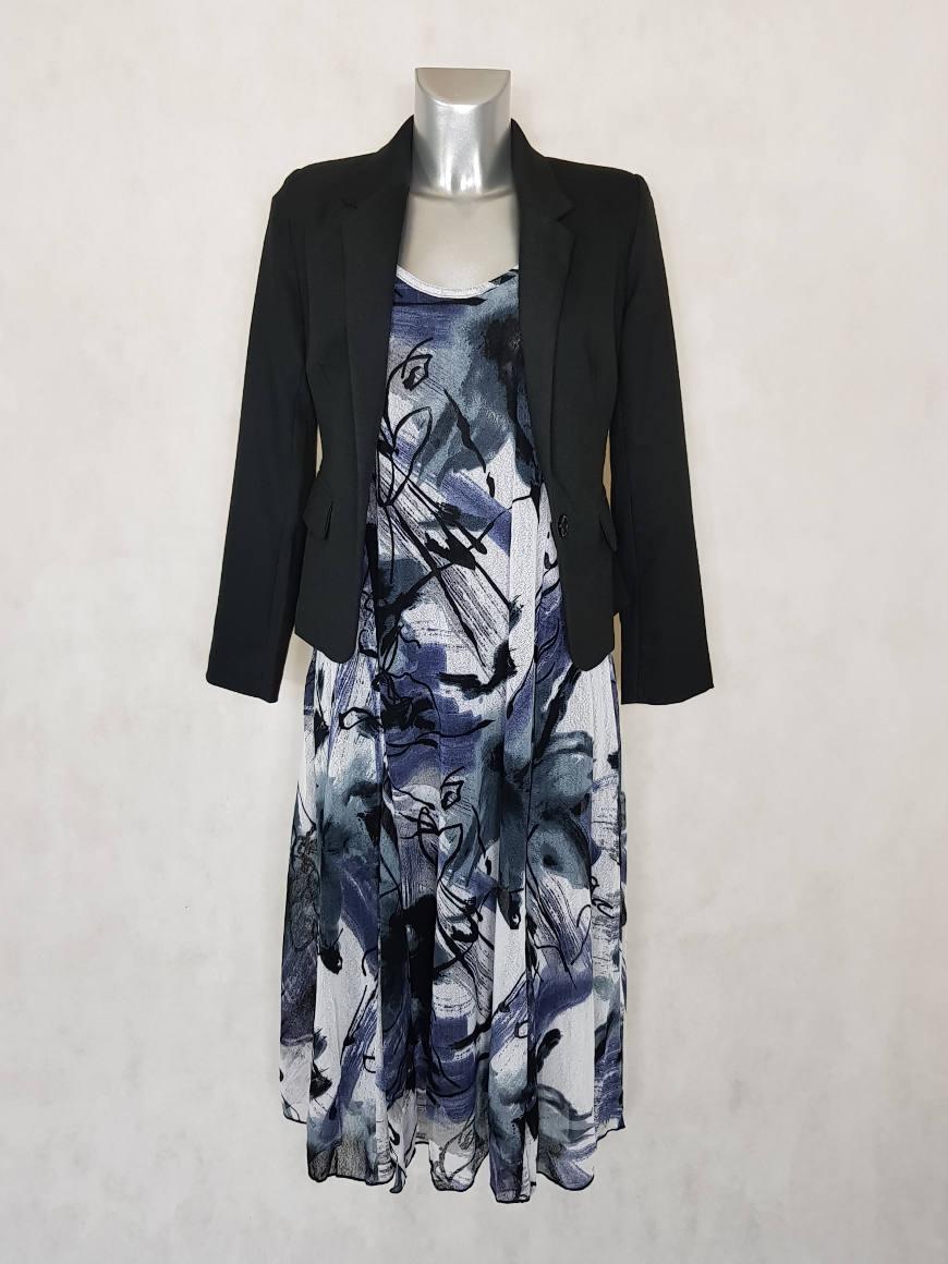 look-robe-femme-ronde-en-resille-motif-noir-et-blanc-manches-courtes.jpg 36504f89976
