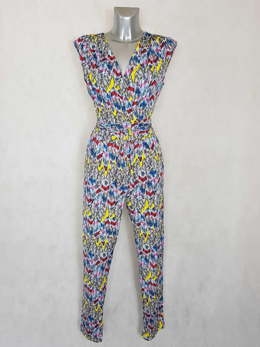 combi-pantalon-femme-fluide-fuselee-motif-plume-col-v1