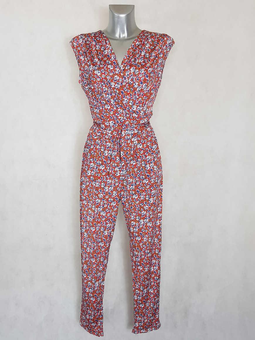 combi-pantalon-femme-fluide-fuselee-rouge-florale-col-V1