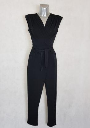 Combi-pantalon femme fluide noir fuselée col V sans manches avec ceinture à nouer