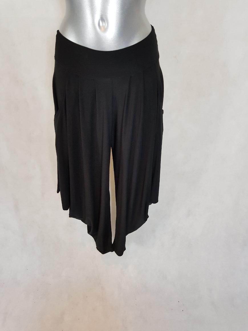 pantalon sarouel femme chic fluide uni noir aux caprices de madeleine. Black Bedroom Furniture Sets. Home Design Ideas