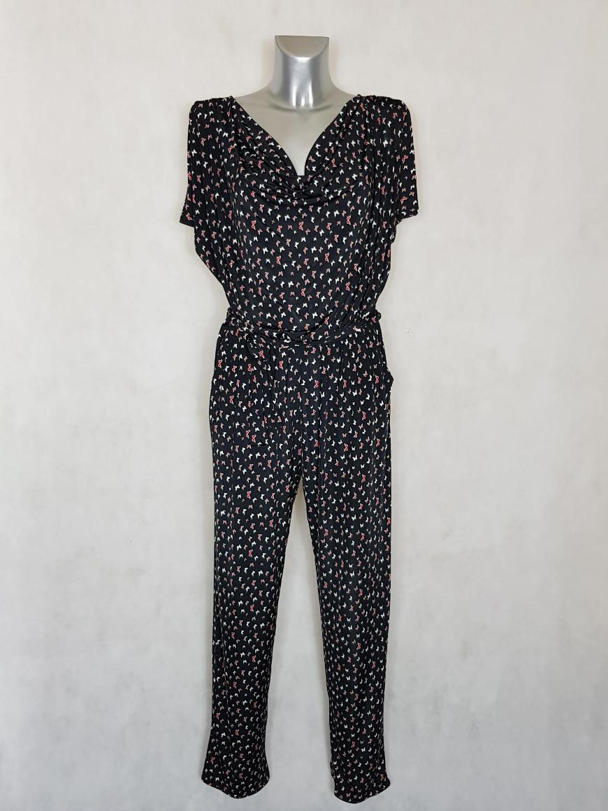 combi-pantalon-femme-noir-motif-papillon-col-benitier1