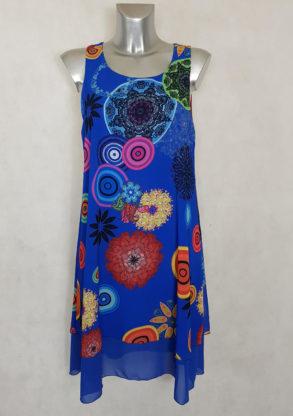 Robe femme évasée bleu roi en voile imprimé manches à bretelles.