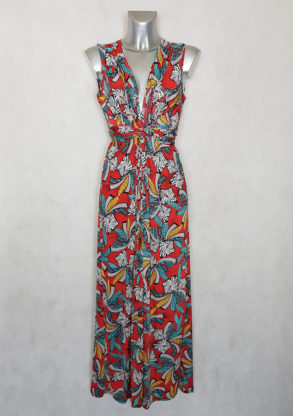 Robe femme longue évasée rouge motif Wax avec ceinture à nouer