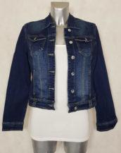 Veste jeans femme bleu coupe cintrée et courte
