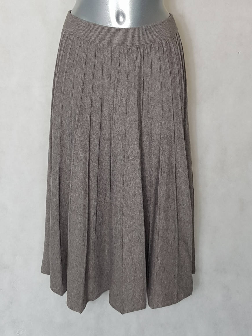 jupe-midi-evasee-en-maille-taupe-pour-femme1