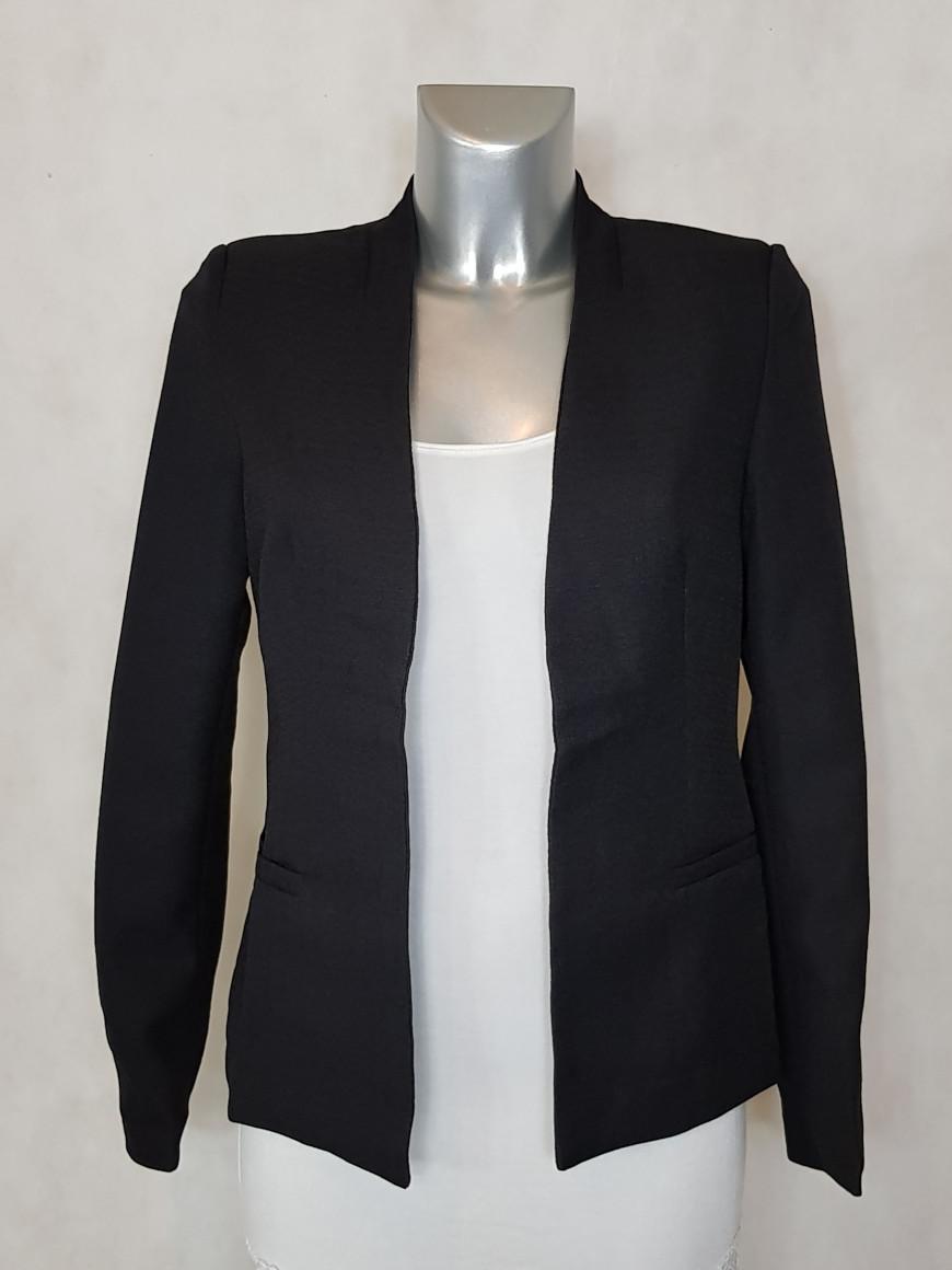 veste-blazer-femme-noir-cintree-tissu-crepe1