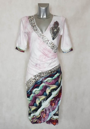 Robe femme cache-cœur drapée à motif et strass et manches ¾