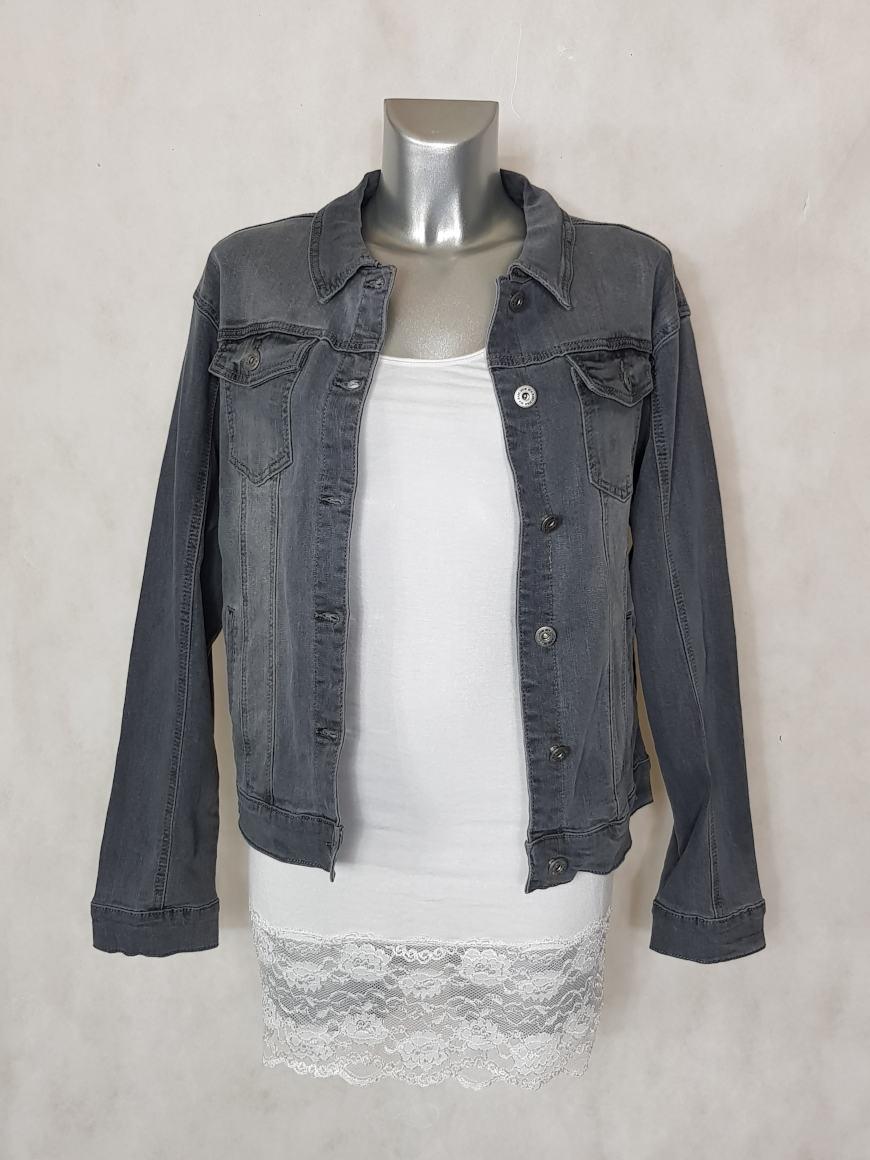 veste-en-jeans-gris-pour-femme-coupe-droite