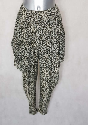 Pantalon femme sarouel fluide motif léopard beige avec taille élastiquée