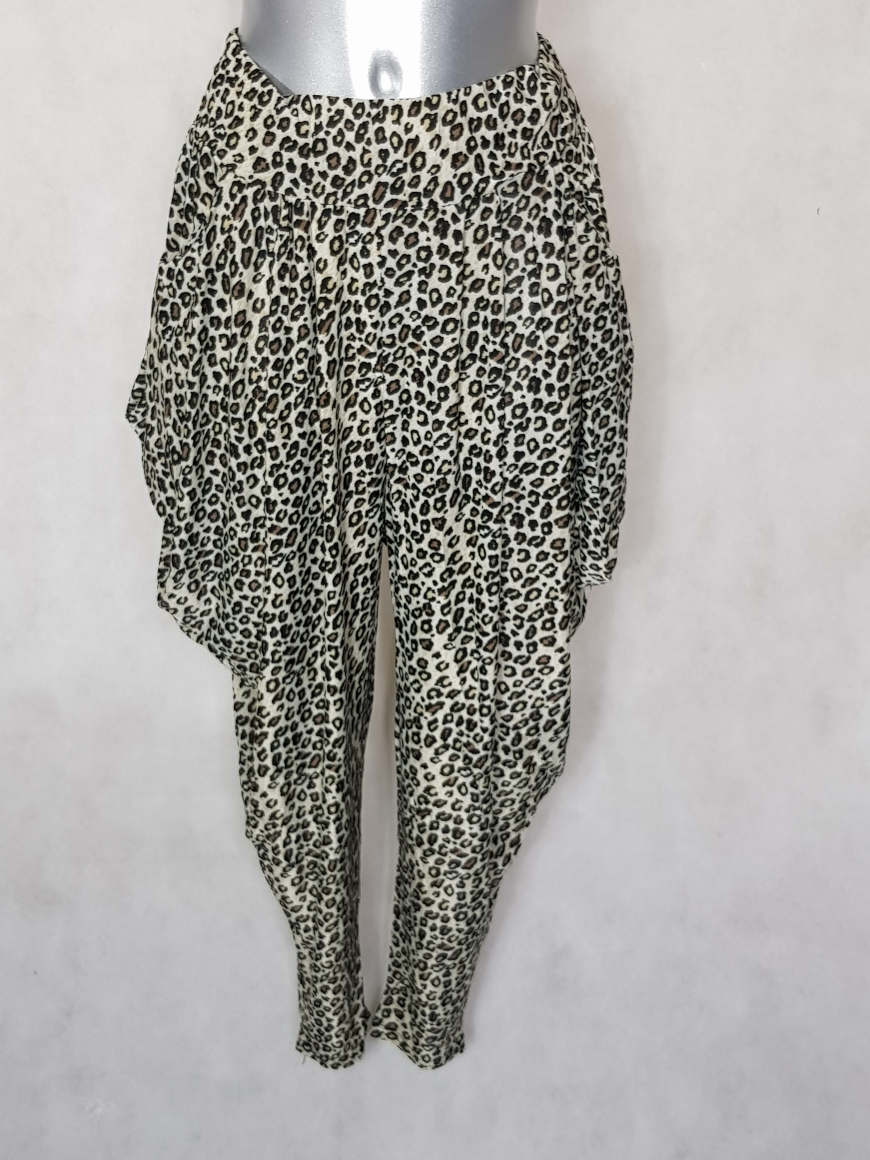 pantalon-femme-sarouel-fluide-motif-leopard-beige1