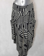 Pantalon sarouel femme noir et blanc graphique
