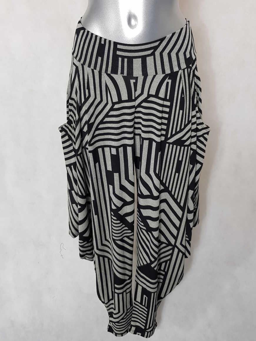 pantalon-sarouel-femme-noir-et-blanc-graphique1