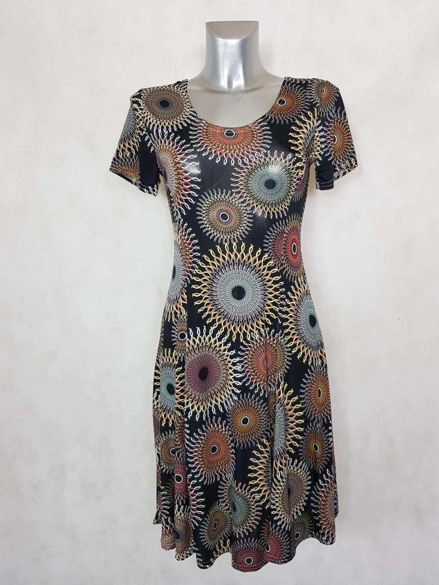 robe-femme-evasee-fluide-noir-a-motif-mozaic1