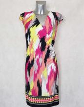 Robe femme fluide drapée cache cœur motif art et manches courtes