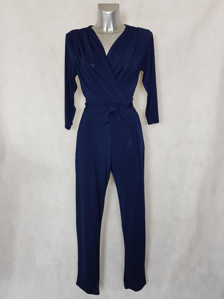 combinaison-pantalon-femme-bleu-fuselee-col-v