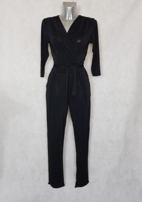 Combinaison pantalon femme noir fuselée col V avec manches ¾ et ceinture à nouer