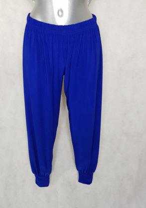 Pantalon grande taille femme ronde style bouffant bleu roi taille élastique.