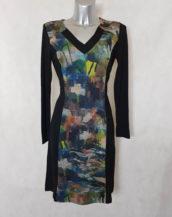 Robe femme droite motif abstrait et bande noir avec manches longues.