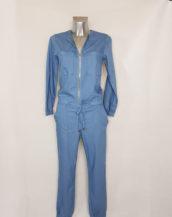 Combinaison jeans femme smocks col rond à zip et manches longues.