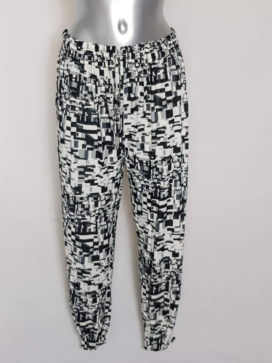 pantalon-femme-fluide-bouffant-motifs-noir-blanc2