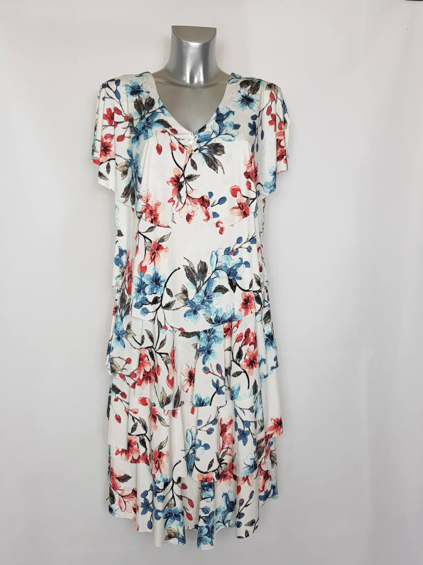 robe-florale-chic-femme-forte-moderne-a-manches1