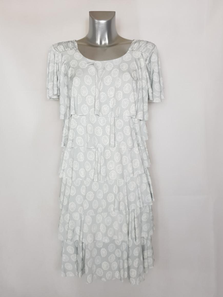 robe-fashion-femme-ronde-a-volants-et-motifs