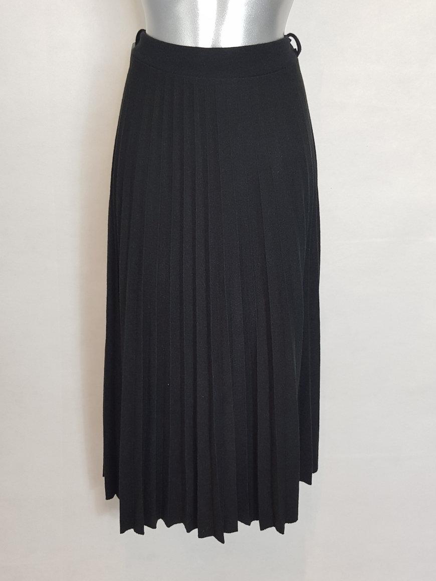 jupe-plissee-grande-taille-en-laine-femme-ronde1