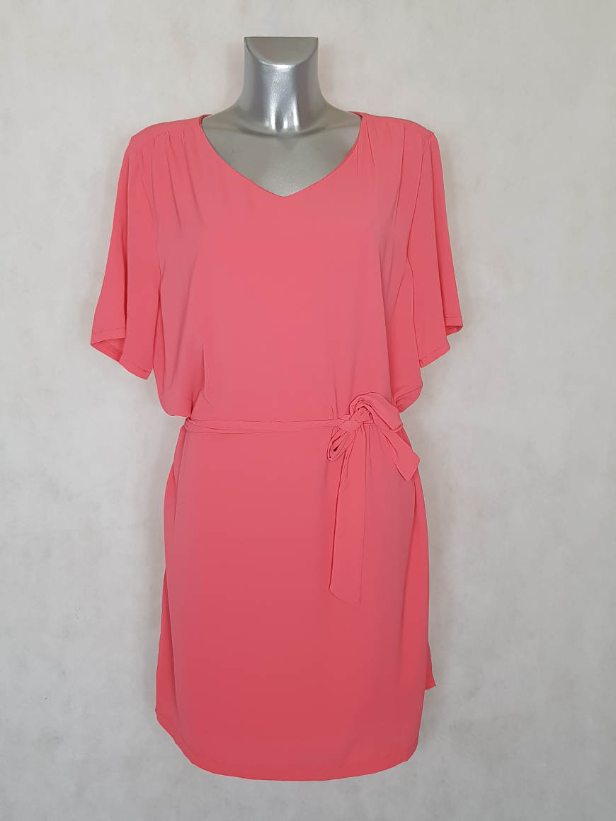 robe-femme-grande-taille-droite-a-manches