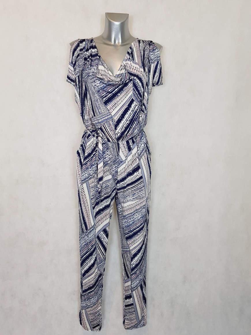 combi-pantalon-femme-ronde-beige-motif-abstrait-col-benitier2