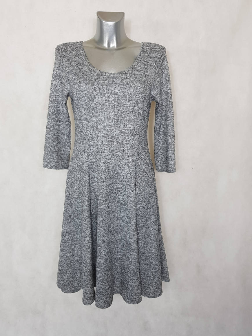 robe-femme-evasee-en-maille-gris-chine