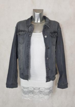 Veste courte droite en jeans gris délavé femme manches longues.