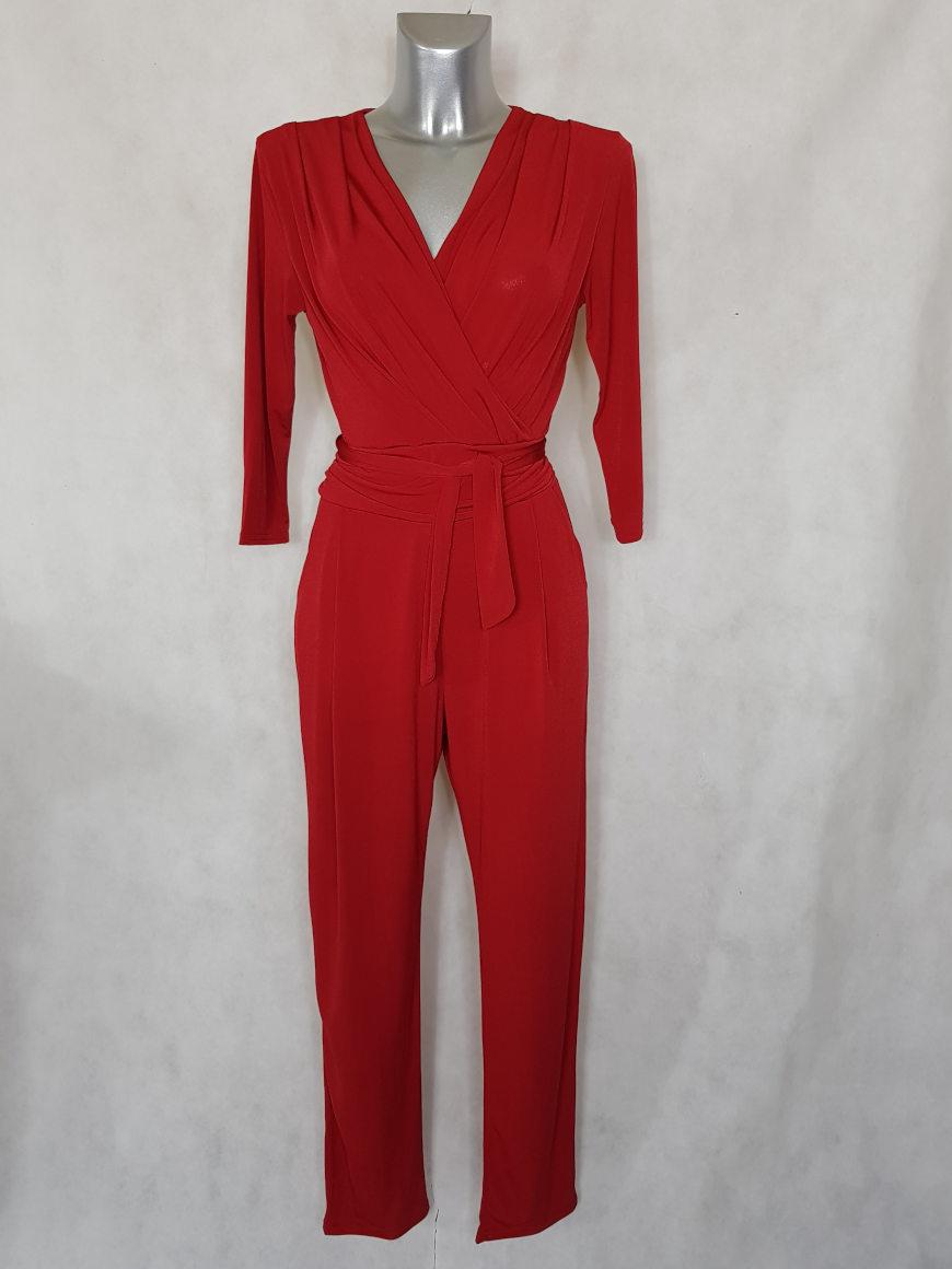 combinaison-pantalon-femme-rouge-fuselee-col-v1