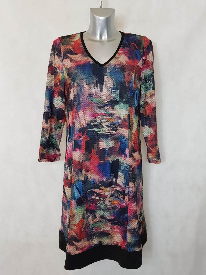 robe-femme-ronde-evasee-rouge-a-motif-abstrait1