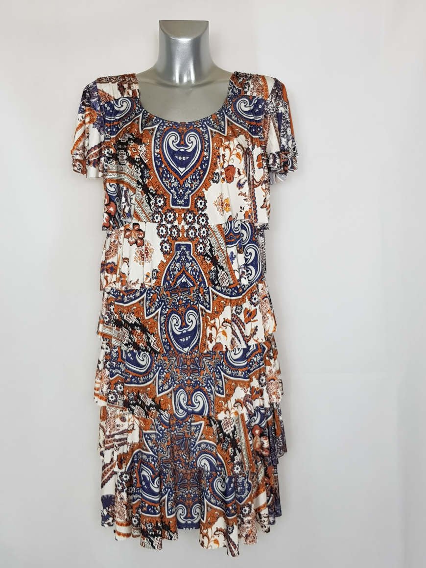 robe-femme-a-volants-tendance-motif-baroque1