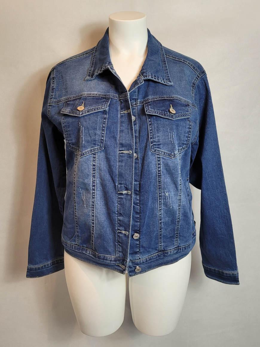 veste-en-jeans-courte-droite-femme-grande-taille1